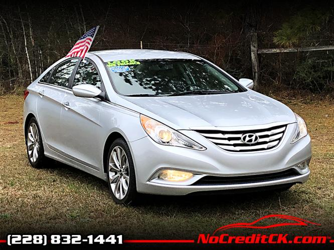 2012 Silver Hyundai Sonata SE Auto (5NPEC4AC4CH) with an 2.4L L4 DOHC 16V engine, 6-Speed Automatic transmission, located at 18001 Kellogg Rd, Saucier, MS, 39574, (228) 832-1441, 139.421463, -76.641457 - Photo #0